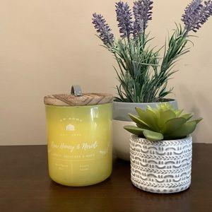 DW Home Raw Honey & Neroli Candle 🍯